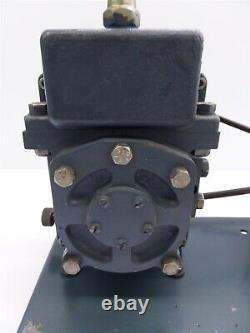 Welch Model 1400 Duo-Seal Vacuum Pump with GE 5KHS5KG113F Motor