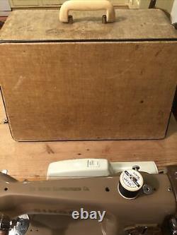 Chanteur Vintage Electric 201k Semi Machine À Coudre Industrielle Avec Moteur Et Cas