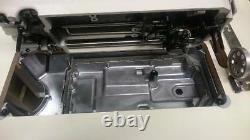 Juki DDL 8100e Machine À Coudre Industrielle Complète Avec Support, Top Et Servomoteur
